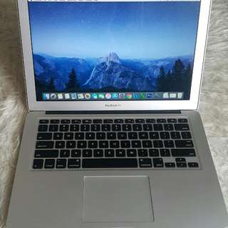 Macbook Air 13 inch. 2015. Ram 8gb. SSd 128