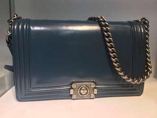 正品 95%新 Chanel Boy 30cm 深藍色牛皮雙鍊側揹斜揹袋