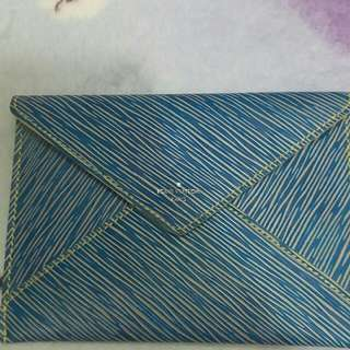 Lv fashion week vipngift clutch