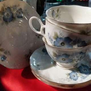 Tea set (set cawan dan piring)
