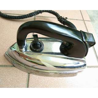 Antiques Heavyweight classic dry iron