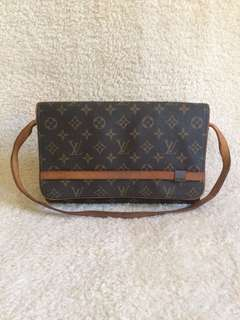 lv shoulder/clutch bag