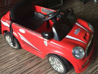 Free Delivery!! Super fun Electric car for little kid
