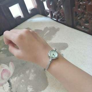 New Vintage watch 羅馬字手錶全新 有電