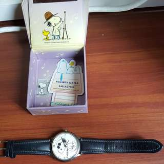Snoopy & Woodstock( Peanuts watch Collection)Authentic