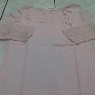 Vertical club sweater baby pink  Model nya lucu, berkerah, bag lengan bervariasi