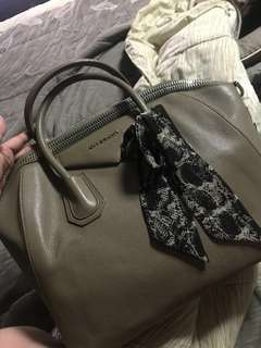 AUTHENTIC GIVENCHY ANTIGONA BIG