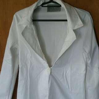 Ensemble white blazer