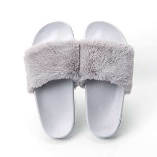 [INSTOCK] Furry Slippers/Slide On/Slip On