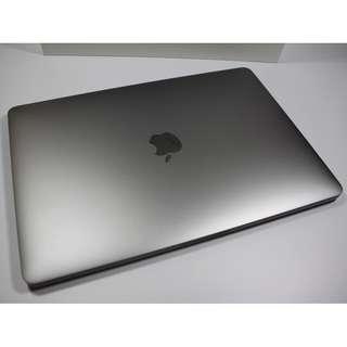 """Pristine Condition 13"""" MacBook Pro 2017 model(1850sgd)"""