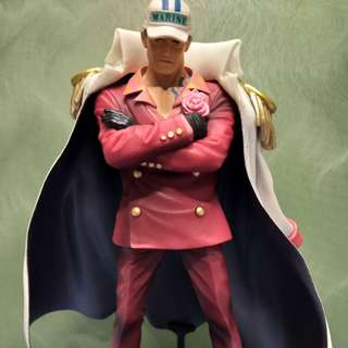 One piece figure collectible: Admiral Akainu (1/3)