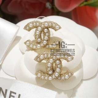 Gold Pearl Earrings Ear Studs Classic Style