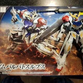 3pcs Gundam Plastic Models (Already built)