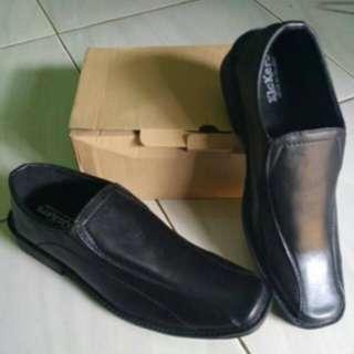 Sepatu pantofel pria size 42