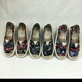 TOMS Aztec Design Womens Size 36 To 40