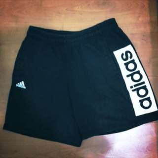 Adidas 黑色短褲