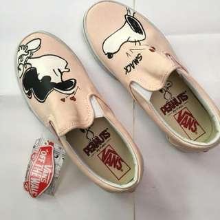Vans Peanut Slip On edisi Snoopy