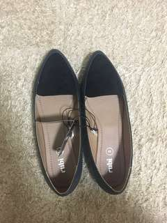 Rubi shoes peta point loafer size 39