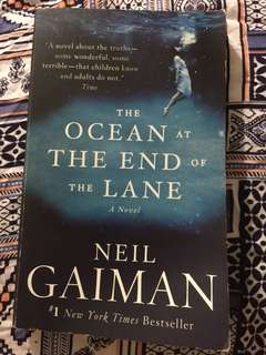 [BOOK] The ocean at the end of the lane