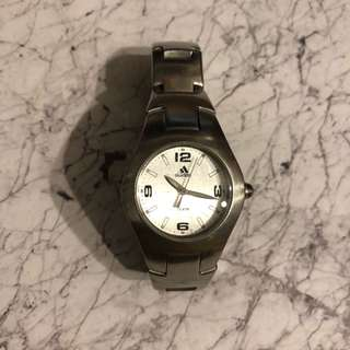Adidas 銀底鋼錶