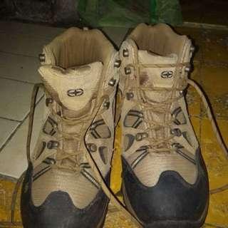 Sepatu Gunung (NEGO TIPIS)