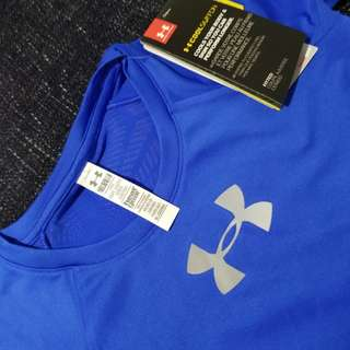 Authentic UNDER ARMOUR T-shirt original price 299 for 5 to 6 yrs old
