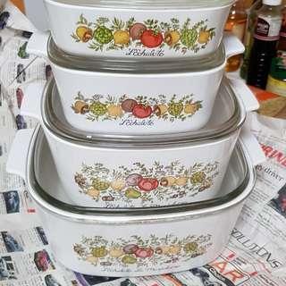 Set of 4 - Corningware