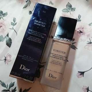 Dior 超完美持久粉底液 #010