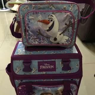 Negotiable- Frozen school bag trolley with lunch bag olaf