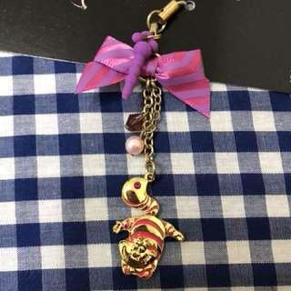 迪士尼cheshire笑臉貓手機吊飾