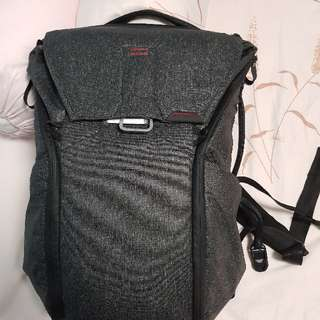 Peak Design 20L charcoal bag