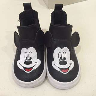 Mickey boot