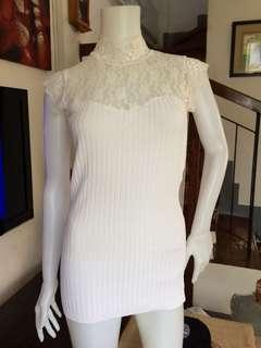 #closeneckbodycon #whitebodycon #freedelivery3 #freedeliveryforevery500minimumofpurchase #knittedtopstetchable #silentzipper