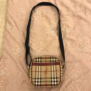 BURBERRY 專櫃側背小包包