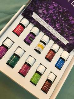 Young Living everyday oil kit
