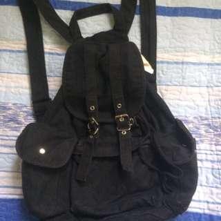 #bajet20 black bagpack