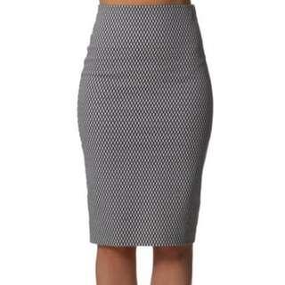 BN Black White pencil skirt AU6