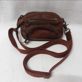 Leather brown sling