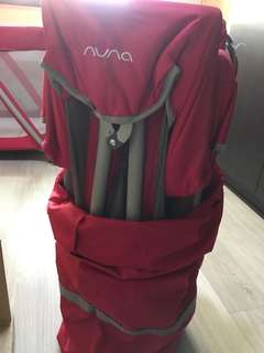 Nuna Sena mini travel playpen/cots