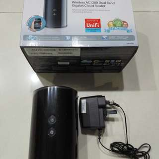 Used Dlink Link Wireless AC1200 Dual Band Gigabit Cloud Router