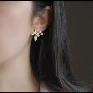 精緻珍珠金葉耳環
