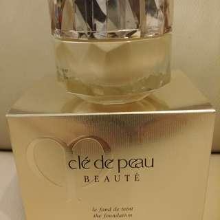 Cle de Peau the foundation