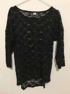 Divided lace blouse
