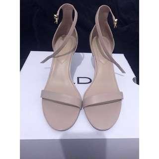 ALDO 氣質裸粉低跟繫帶涼鞋