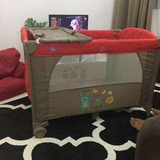 Sweet cherry baby cot