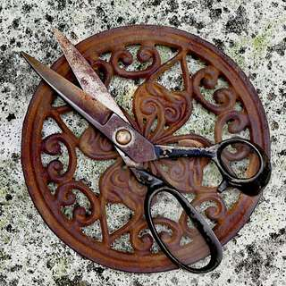 VINTAGE  SEWING, CRAFTING /TAILOR SCISSORS