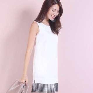 Neonmello BRENSMITH PLEATED HEM DRESS IN WHITE GINGHAM Size S