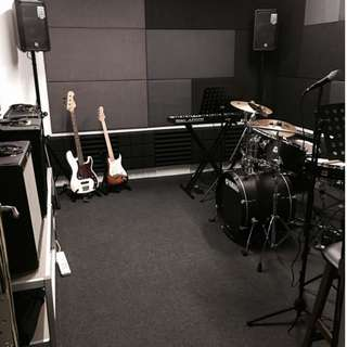 Rehearsal / Jamming Studio in the East!