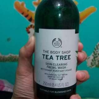 The Body Shop Tea Trea Cleansing Wash