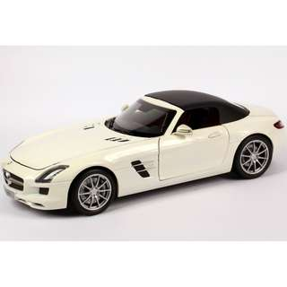 SLS AMG Roadster 1:18 Model Car